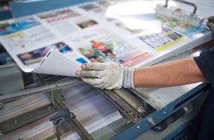 Impressão de revista pequena tiragem